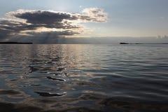 Por do sol no reservatório Fotografia de Stock Royalty Free