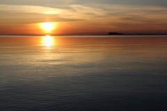 Por do sol no reservatório Fotos de Stock Royalty Free