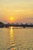 Por do sol no rio Fotos de Stock