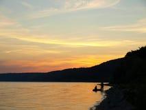 Por do sol no rio Foto de Stock