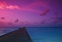 Por do sol nos maldives imagens de stock