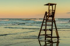 Por do sol o último dia da praia foto de stock royalty free