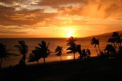 Por do sol ocidental de Maui   Imagem de Stock