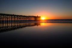 Por do sol pacífico da praia Imagens de Stock Royalty Free