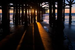 Por do sol pacífico da praia Imagens de Stock