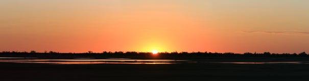 Por do sol panorâmico em Normanton, Queensland, Austrália imagem de stock royalty free