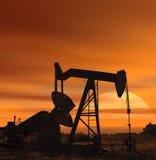 Por do sol para o petróleo Fotos de Stock Royalty Free