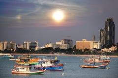Por do sol pattaya de Tailândia Fotos de Stock Royalty Free