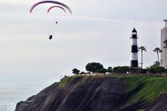 Por do sol pelo litoral em Lima, Peru fotos de stock royalty free