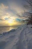 Por do sol pelo mar Foto de Stock Royalty Free