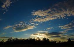Por do sol perto da cidade pequena Okrisky Foto de Stock Royalty Free