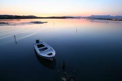 Por do sol perto do aeroporto de Corfu Fotografia de Stock