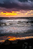 Por do sol Por do sol bonito o Mar Negro Por do sol do mar do ouro Mar da imagem Imagens de Stock