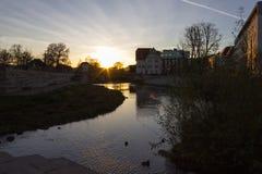 por do sol que nivela novembro em uma cidade histórica Imagem de Stock Royalty Free