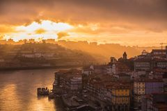 Por do sol do rio de Douro foto de stock royalty free