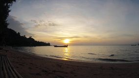 Por do sol romântico cambojano da ilha do coelho filme