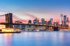 Por do sol roxo de NYC Fotografia de Stock