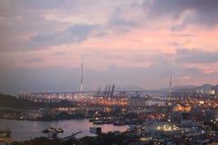 Por do sol roxo sobre a ponte Imagem de Stock Royalty Free