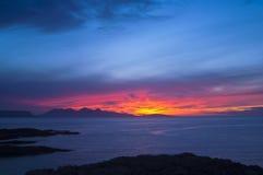 Por do sol, rum, Hebrides interno, Scotland Imagens de Stock Royalty Free