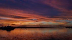 Por do sol do ` s da baía de Manila - Filipinas foto de stock royalty free