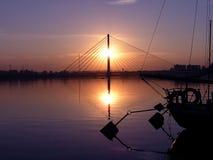 Por do sol sobre a água Foto de Stock Royalty Free
