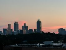 Por do sol sobre Atlanta imagens de stock royalty free