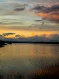 Por do sol sobre Budd Inlet Olympia Washington imagens de stock
