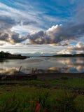 Por do sol sobre Budd Inlet Olympia Washington fotografia de stock