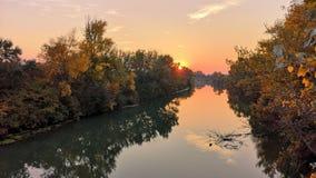 Por do sol sobre Danúbio imagem de stock