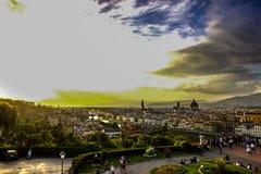 Por do sol sobre Florença do ponto de vista fotos de stock royalty free