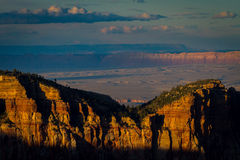 Por do sol sobre Grand Canyon Ridge At Imperial Point foto de stock royalty free