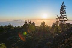 Por do sol sobre Ilhas Canárias do vulcão de Teide, Tenerife, Espanha imagem de stock