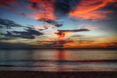 Por do sol sobre Long Beach - Koh Lanta Imagem de Stock Royalty Free