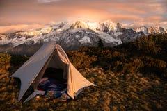 Por do sol sobre Mont Blanc fotos de stock