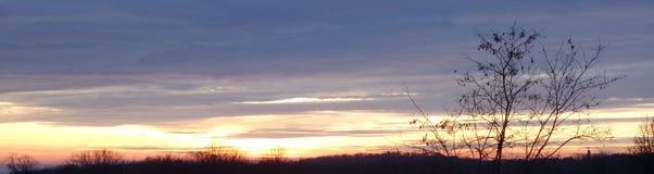 Por do sol sobre a montanha do gora de Fruska Fotografia de Stock Royalty Free