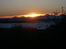 Por do sol sobre montanhas olímpicas e Puget Sound Imagens de Stock