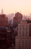 Por do sol sobre New York City imagem de stock