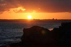 Por do sol sobre o albufeira da cidade Imagem de Stock Royalty Free