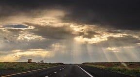Por do sol sobre o Arizona imagem de stock
