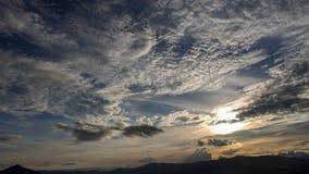 Por do sol sobre o as montanhas andinas imagem de stock royalty free