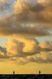 Por do sol sobre o cais Fotografia de Stock Royalty Free