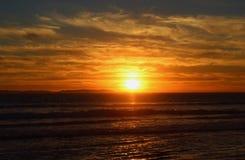 Por do sol sobre o Huntington Beach Foto de Stock