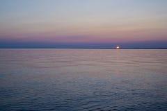 Por do sol sobre o lago Erie Fotografia de Stock Royalty Free