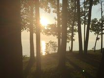 Por do sol sobre o lago Erie imagem de stock