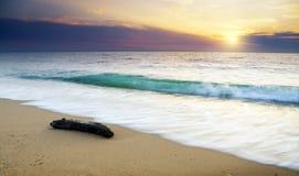 Por do sol sobre o mar Imagens de Stock Royalty Free