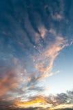 Por do sol sobre o Oceano Atlântico foto de stock