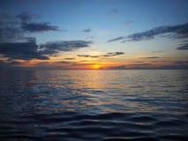 Por do sol sobre o Pacífico Fotografia de Stock
