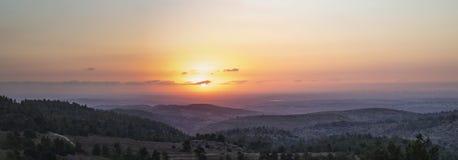 Por do sol sobre o plano litoral israelita foto de stock royalty free
