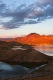 Por do sol sobre o reservatório de Azat Imagens de Stock Royalty Free