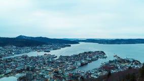 Por do sol sobre os fiordes. Bergen, Noruega. TimeLapse filme